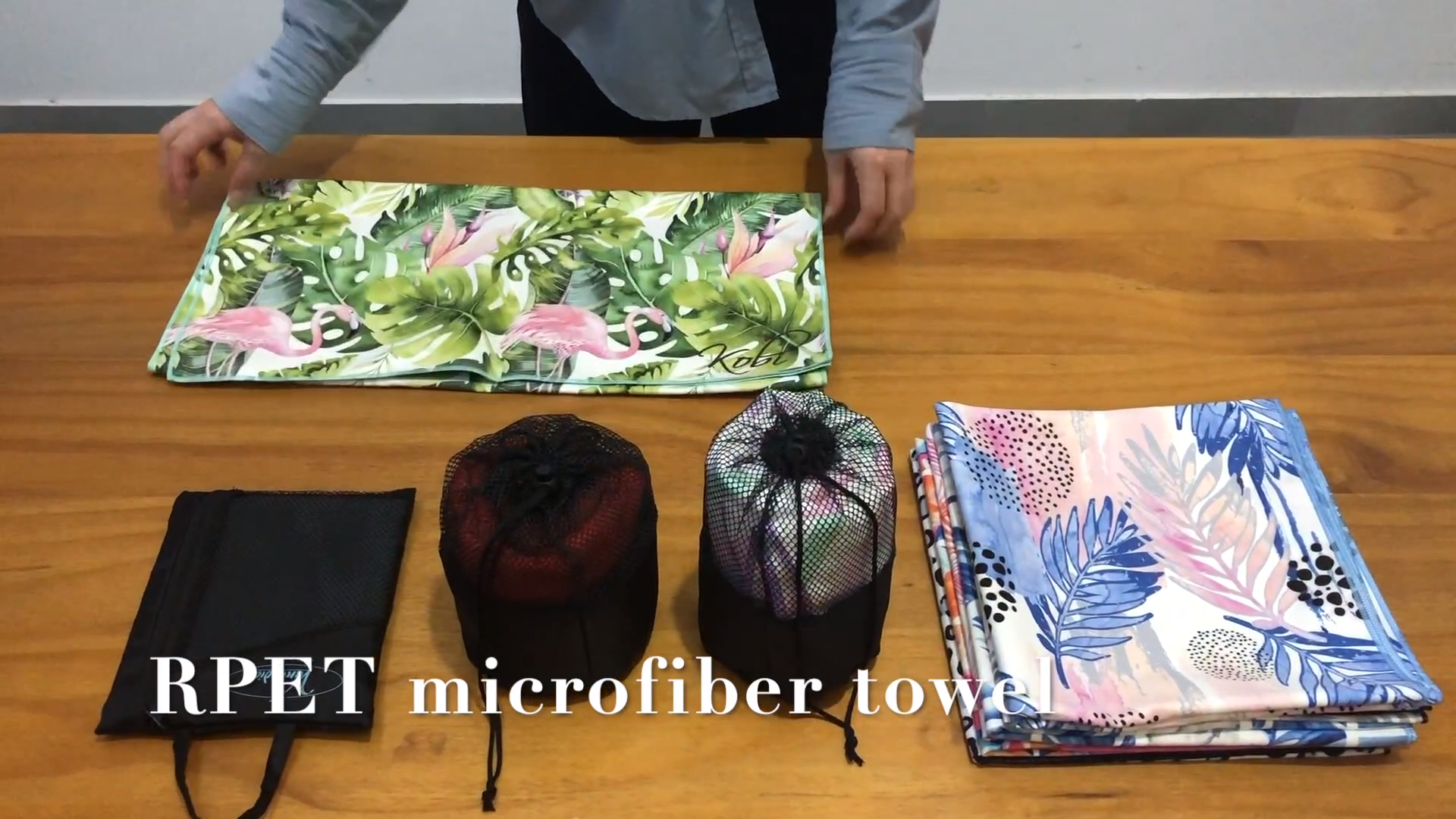eco-friendly custom microfibre sand proof rpet beach towel striped with zip pocket