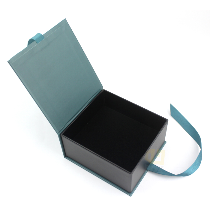 Custom Luxury Box Folding Magnet Closure Within Ribbon Cardboard Gift Box With Magnet Closure