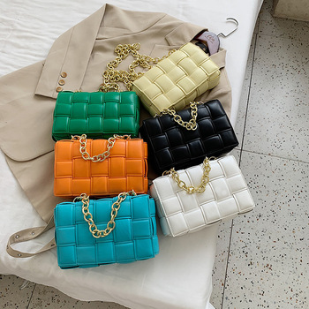 Factory Outlets PU leather maxi weave Cross-body bags THE CHAIN CASSETTE bags Interior zip Hot sale products