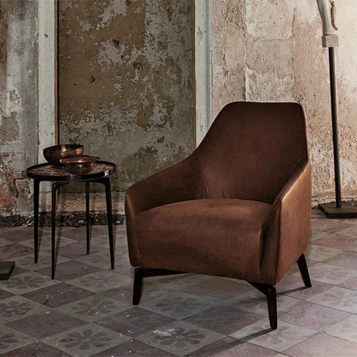Geçiş Orta Yüzyıl Inspirations Kahverengi Koltuk kumaş veya deri oturma odası kanepe sandalye Foshan mobilya fabrikası