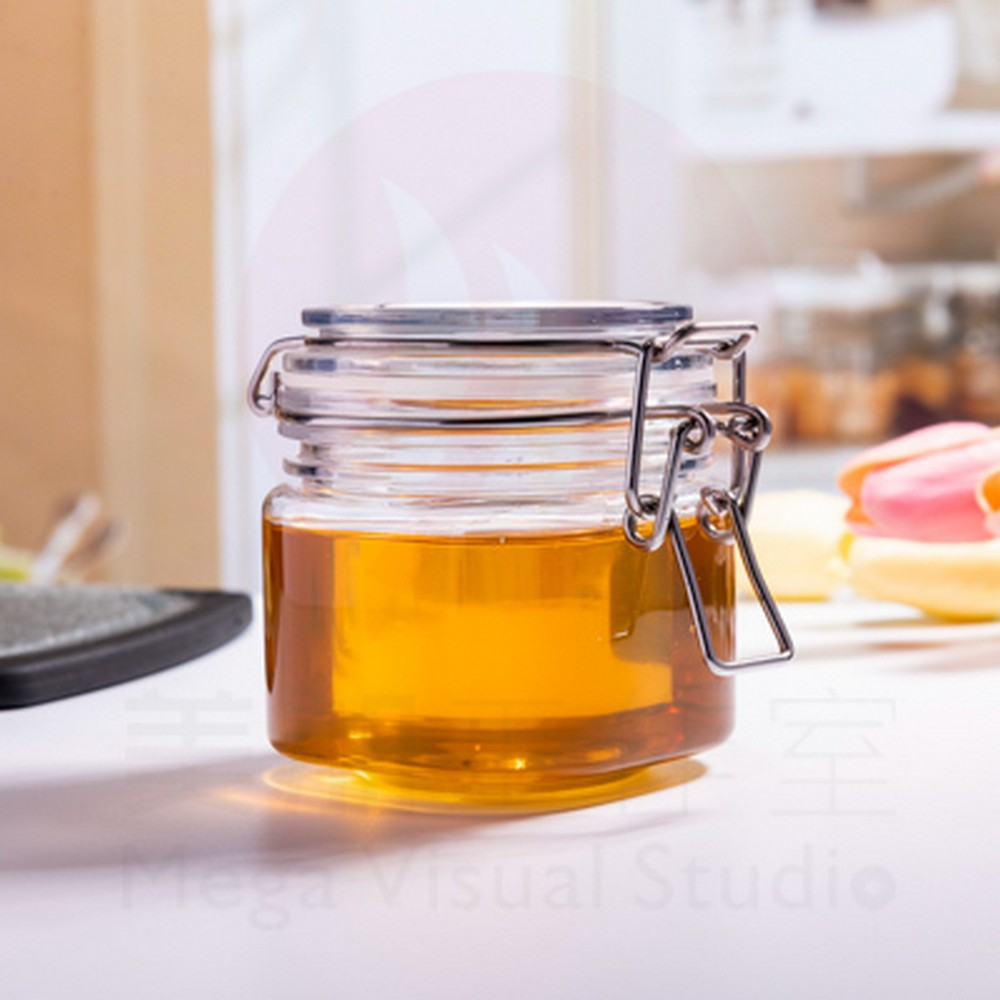Wholesale proper price 400ml plastic honey jar with wooden lid, honey jars wooden lids,wood honey jar