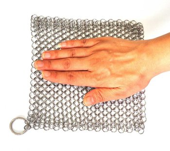 Stainless steel wire mesh chainmail scrubber