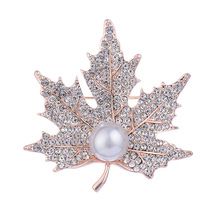 Moda Pearl Maple Leaf pin Broches com Jóias