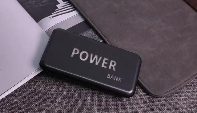 2020 wireless mini power bank mobile charger custom LED light logo 5000mah power banks