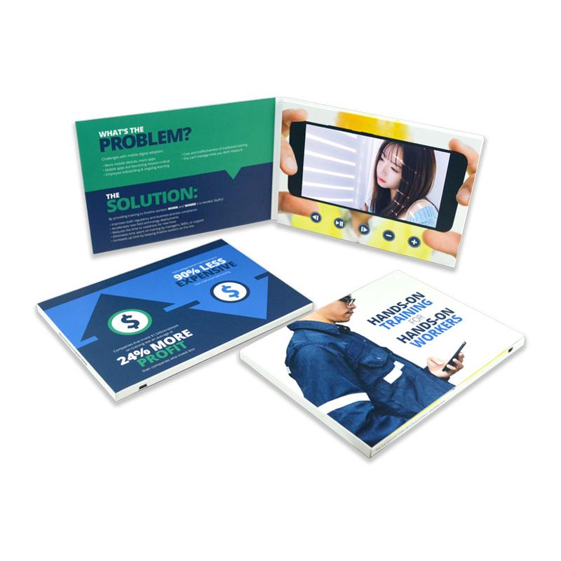 Sunvision 受け入れるカスタムオーダーつ折りクラフト紙広告のための 7 インチ tft lcd ビデオパンフレット