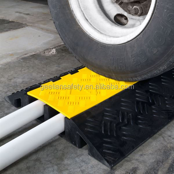 Cable Speed humps road bump 5 Channel Rubber Cable Protector with yellow cover