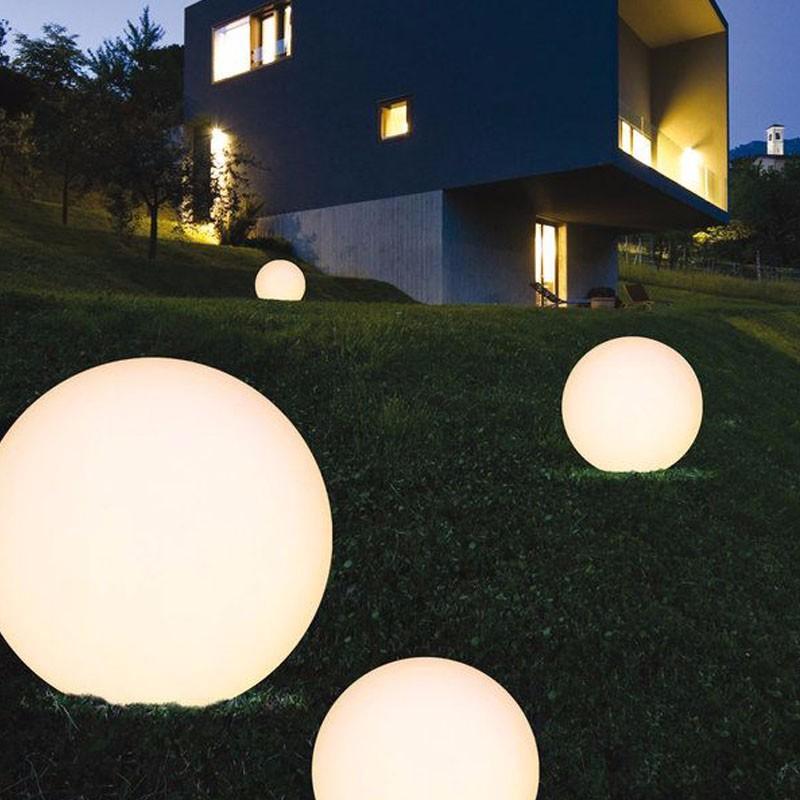 2020 新デザイン装飾屋外プラスチック色グローイング Led が点灯壁ガーデンライト