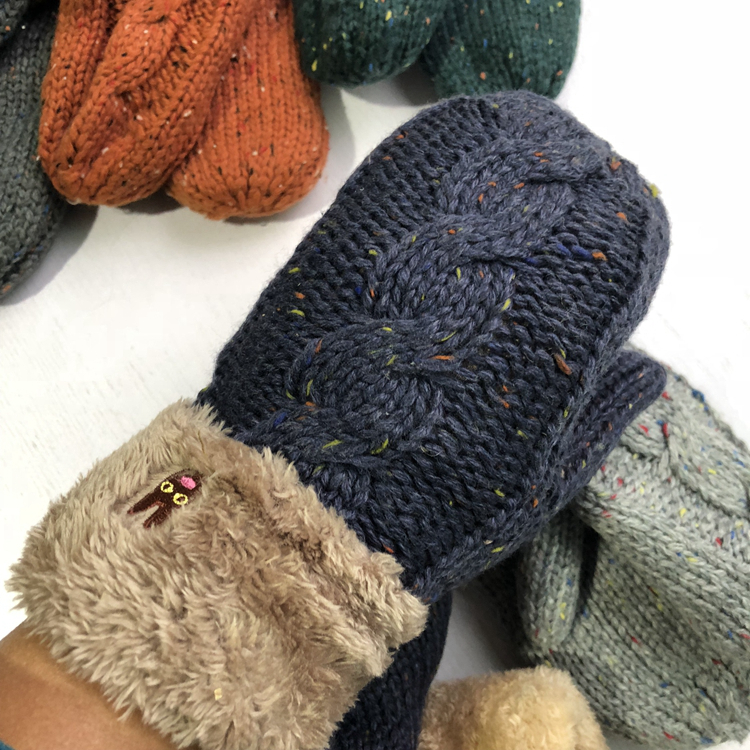 Cheap high quality Stock thick Acrylic Winter Knit gloves mittens Women hot sale wholesale