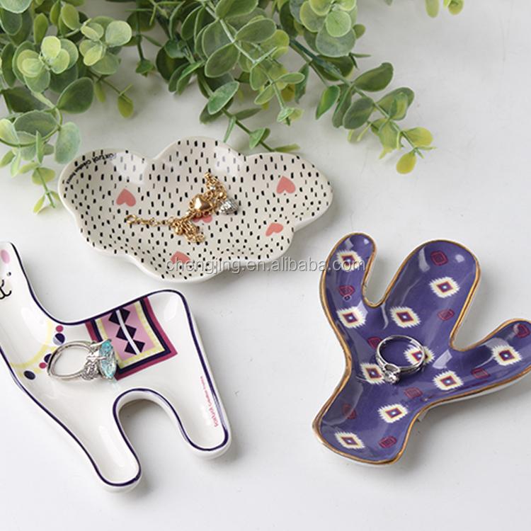Wholesale Gold Alpaca Ceramic Velvet Jewelry Display Tray For Wedding Return Gift