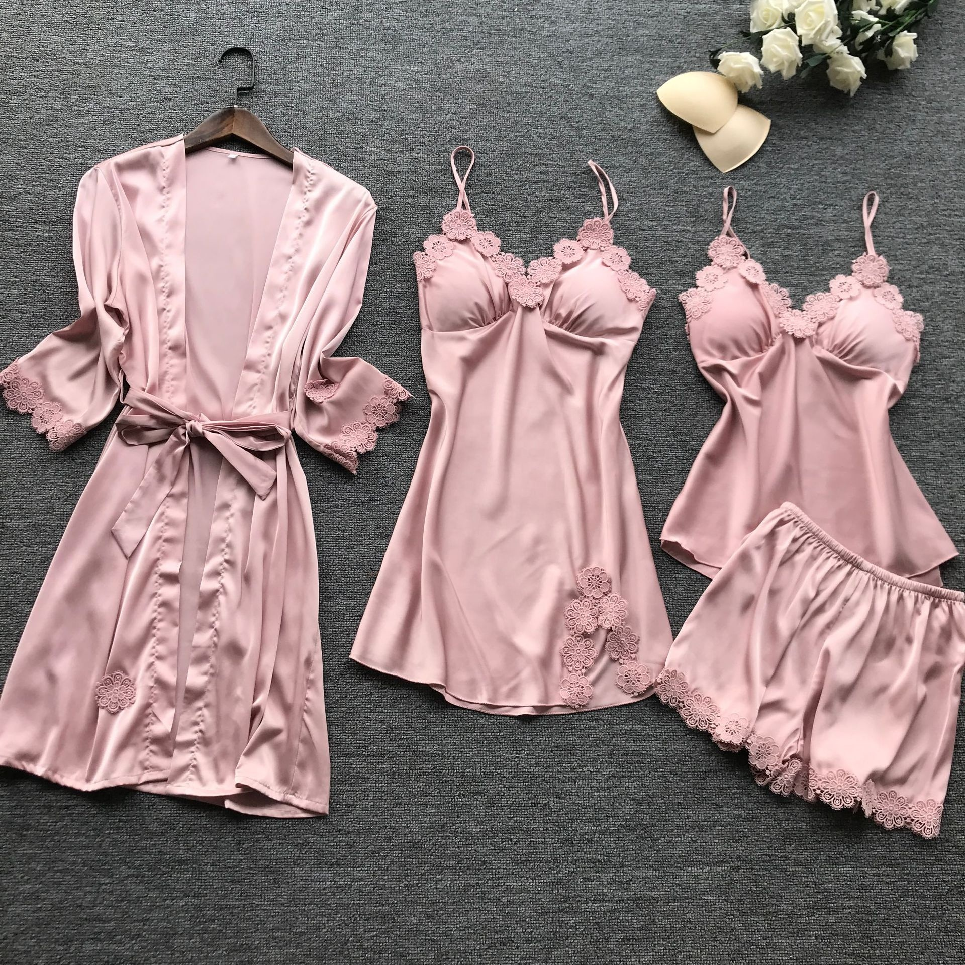 Wholesale <strong>Women</strong> Four Pieces Lace Sleepwear Elegant Silk Satin Pajamas Set
