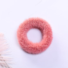 1 шт., женское пушистое кольцо для волос ярких цветов из мягкого искусственного меха, милые зимние резинки для волос, аксессуары для волос(Китай)