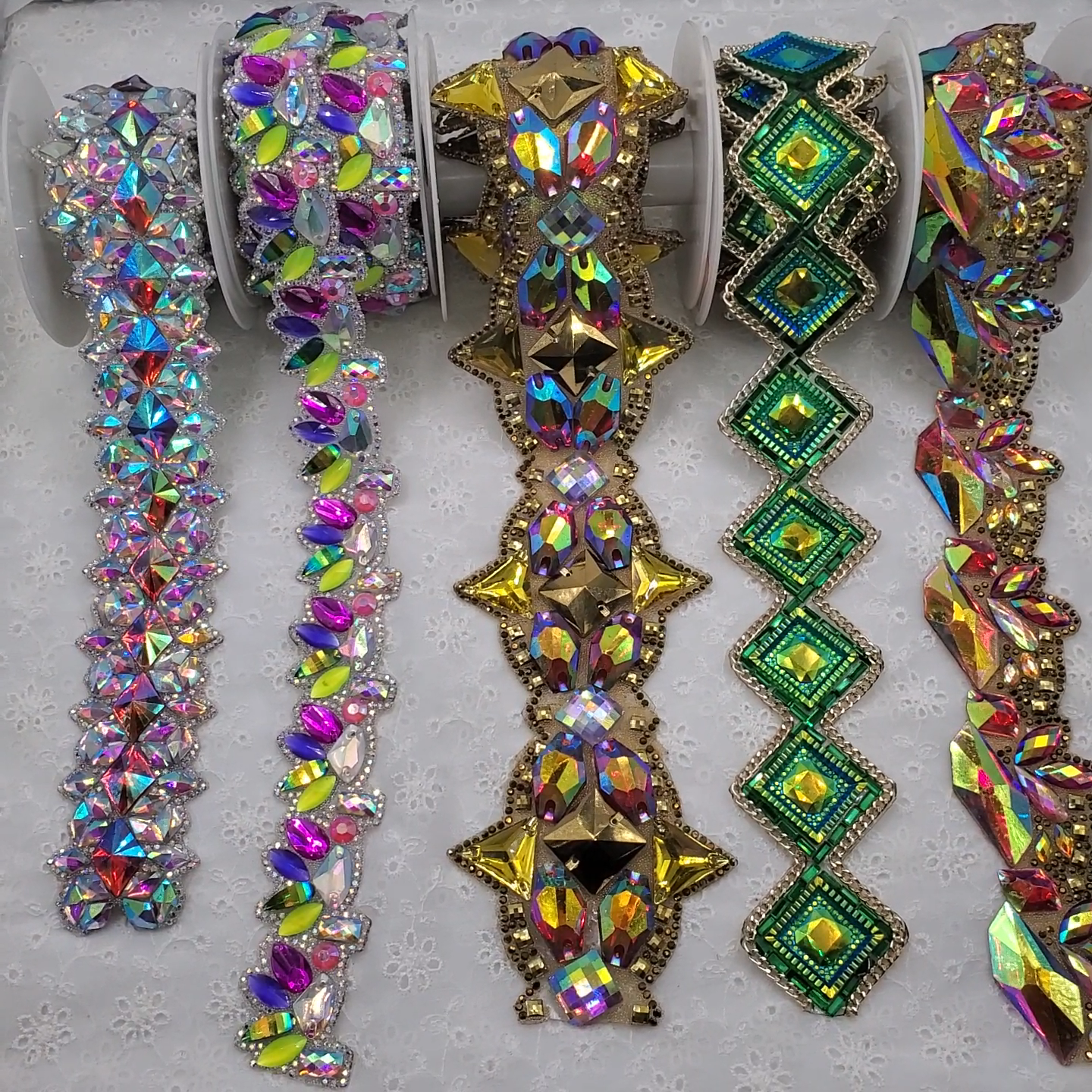 Custom Heat Transfer Gorgeous Resin Rhinestone Trim with small baguette glass stones  for Carnival Dress Party Dress