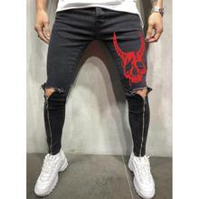 RTS produit en stock mode hommes tirette de <span class=keywords><strong>jeans</strong></span> jambe droite jean skinny rouge cool <span class=keywords><strong>crâne</strong></span> impression genou trou déchiré hommes <span class=keywords><strong>jeans</strong></span>