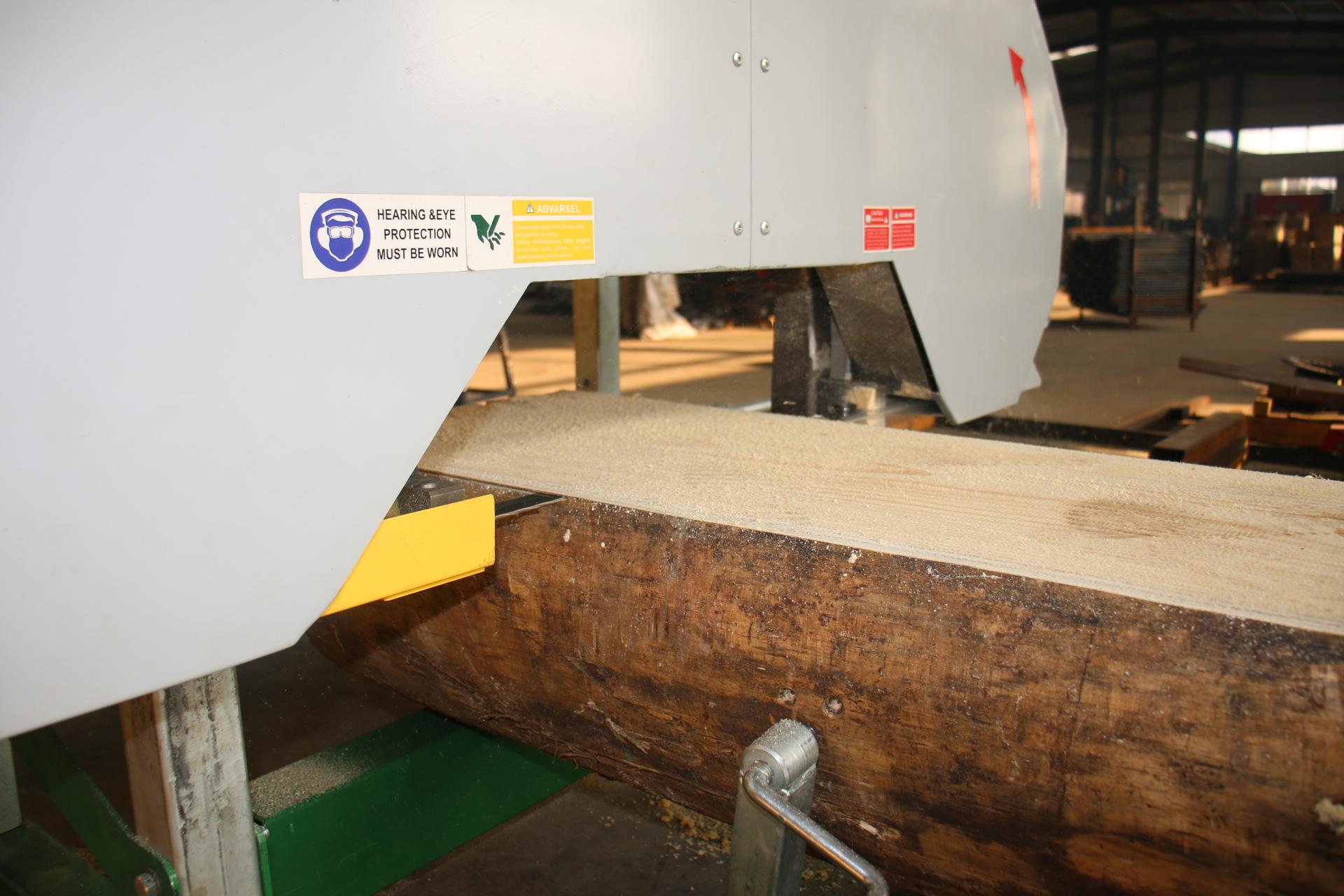 Good price portable band saw Wood cutting saw mills