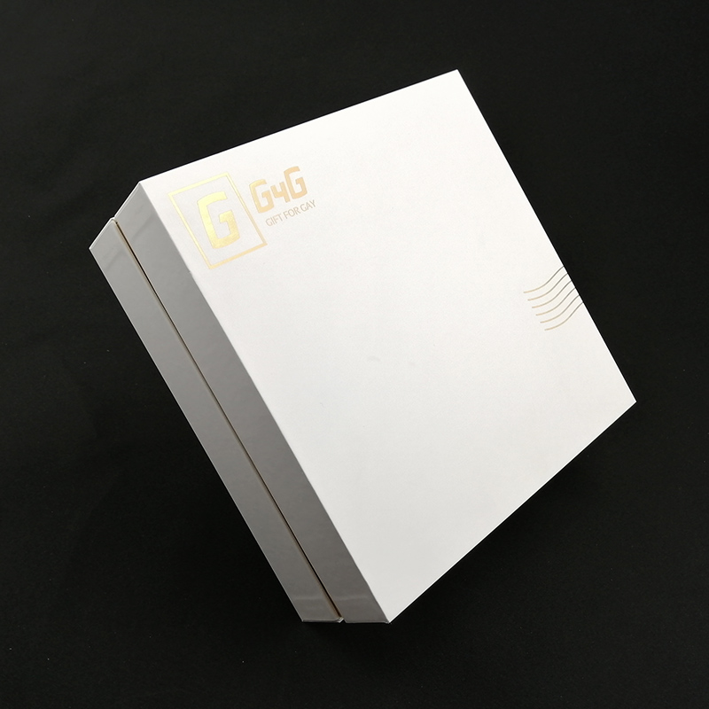 Custom White Square Cardboard Lid And Base Two Piece Shoulder Paper Gift Box with Gold Border Satin Insert