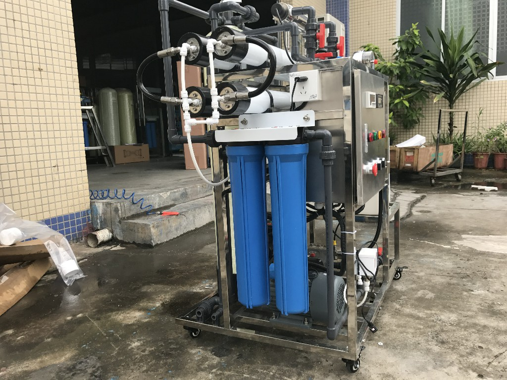product-200lphDesalinator Brackish Seawater Sea Water Desalination Machine Ro Reverse Osmosis Indust-1