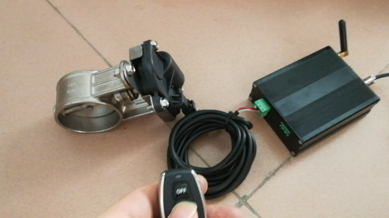 電子バルブスイッチユニバーサル 63 ミリメートル 2.5 インチ電動排気遮断弁遮断弁コントローラアクセサリー