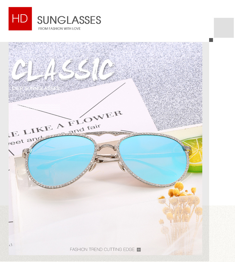 Luxury Ray Brand Folding Rhinestone Decoration Retro Carved Frame Women Sunglasses