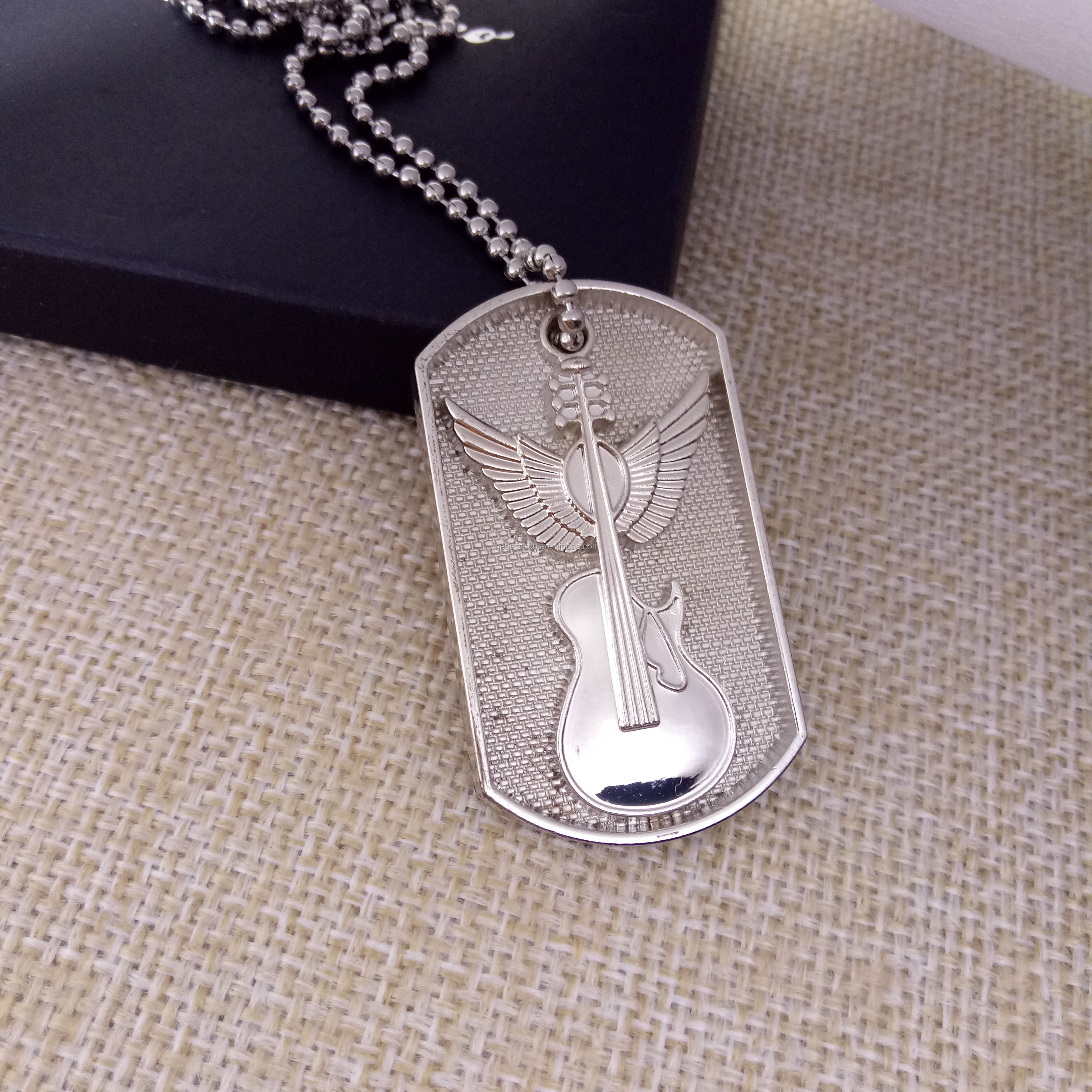 Zinc alloy customized cheap 3d dog tag for men