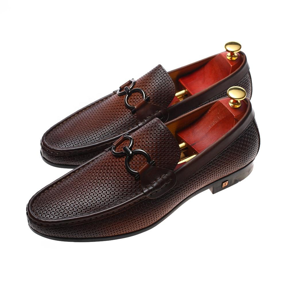 2020 Novo clássico vestido formal do escritório de couro homens sapatos de couro genuíno italiano para homens casual sapatos de couro para homens