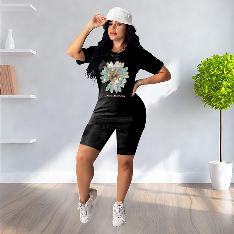 0042911 Hot Sale Black Tshirt And Shorts Casual Rhinestone Applique Flower Summer Sportswear 2020 Womens Two Piece Set Outfits