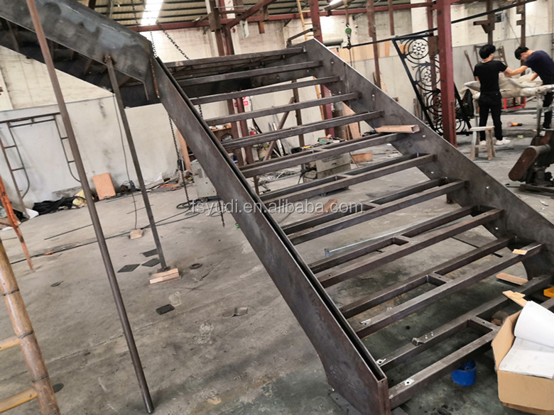 Indoor Simple Design Loft Straight Iron Wood Tread Stairs Buy Eisen Holz Treppen Loft Stragiht Treppen Innen Design Treppen Product On Alibaba Com