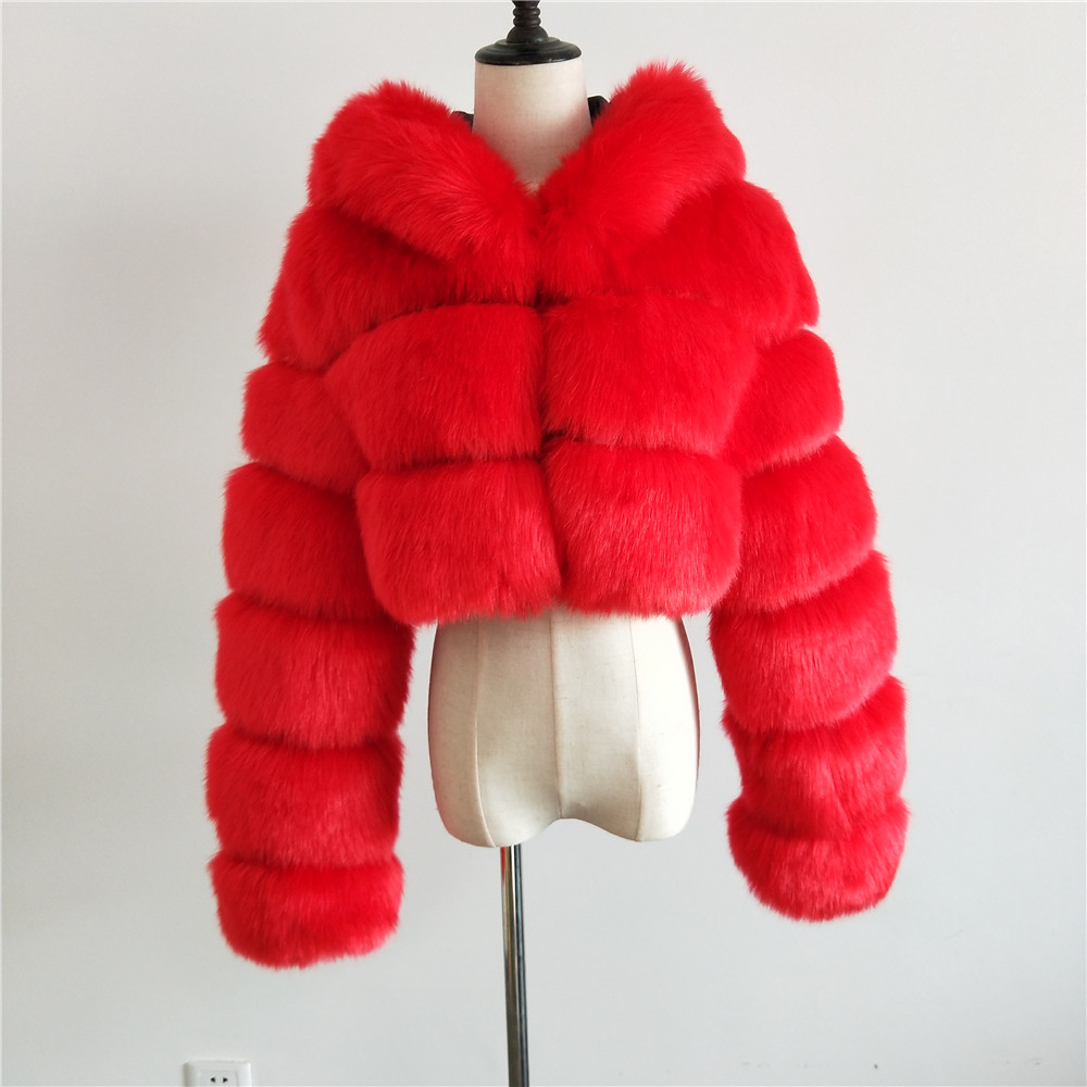 2021 Customized Design Cropped Fashion Plus Size Winter New Women's Oversized Short Fur Coat Hoodies Winter Bubble Coats