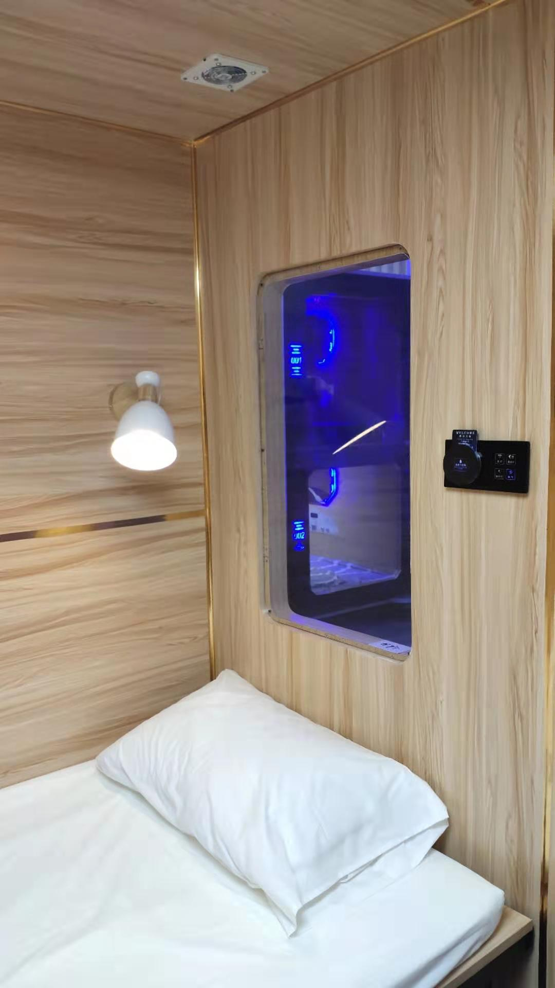 New design wooden room sleeping pod  business bed room  capsule hotel