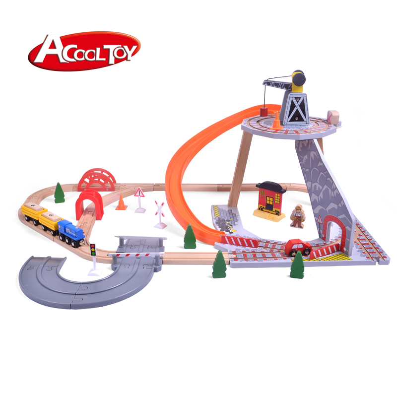 Factory wholesale custom kids attention practice  50+pcs wooden spiral train set railway crane toy