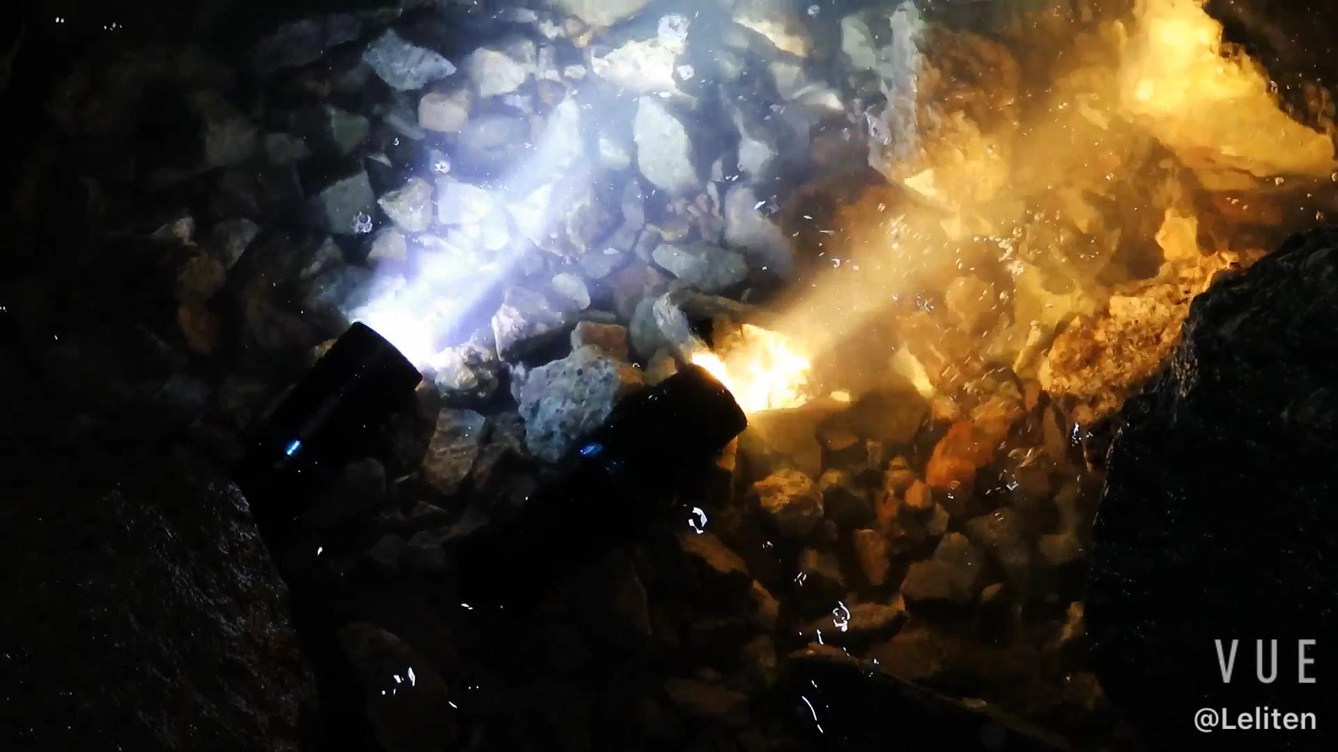 Lampe torche tactique de plongée à LED | Torche tactique à LED blanche, lumière jaune 1200 Lumen sous-marine, lampe de plongée étanche de 100M By 18650 26650