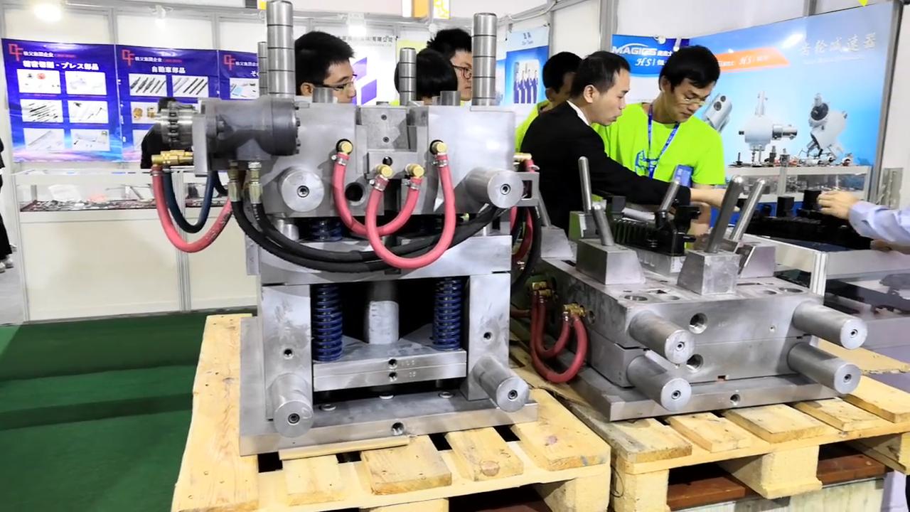 Inserto de plástico molde TPU inserto de Metal de fabricación moldeado latón tornillo insertar moldeado componente