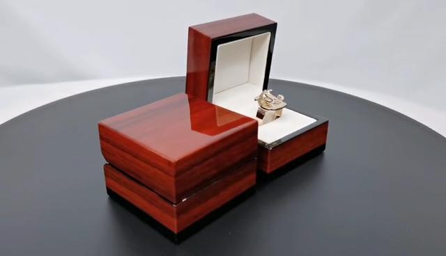 Luxe Ontwerp Aangepaste Logo Gedrukt Sieraden Doos Met Logo Houten Luxe Box Ring Box Jewelry Case Voor Luxe Sieraden