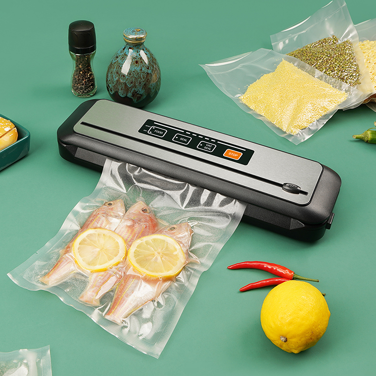 Portable Vacuum Sealer With Built-in Cutter and BPA Free Vacuum Bags for Food Packaging and Sous Vide Cooking