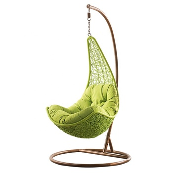 2019 new Good quality moon hanging chair outdoor rattan swing hanging chair patio swings hanging chairs