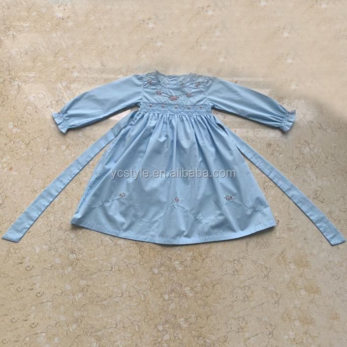 ブティック子供ドレス夏良質の花綿の服。ピーターパン襟 Smocked ドレス美少女のために