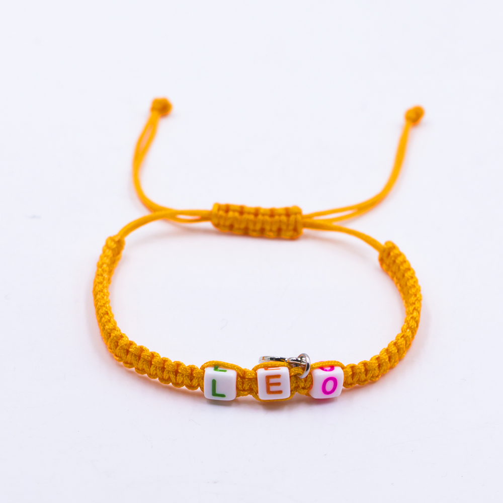 Hot Selling Smart Beaded Plastic Letter Smile Macrame Bracelet