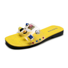 2020 летние тапочки женская уличная женская обувь пляжная прозрачная обувь Молодежная обувь с заклепками на плоской резиновой подошве в горо...(Китай)