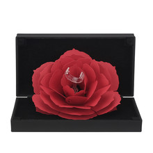 3D модные элегантные кольца, радостная красная коробка, Свадебный помолвочный чехол, цветок розы, подарок для любви, ювелирный дисплей, держа...()