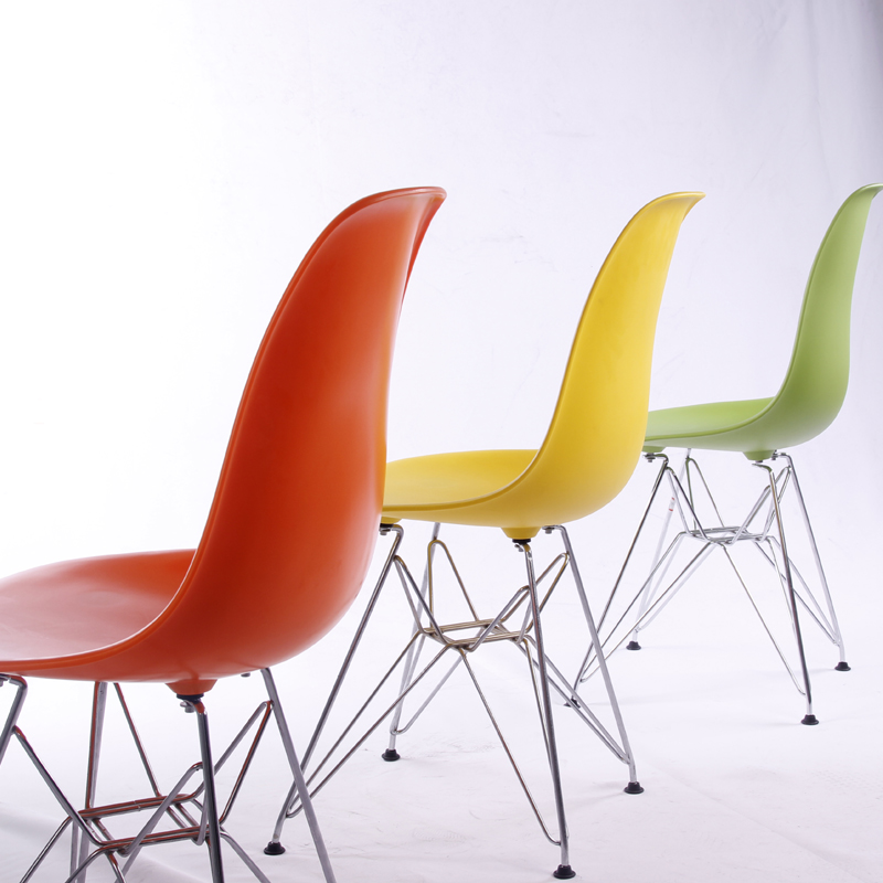 Modern design cheap plastic chairs with steel frame