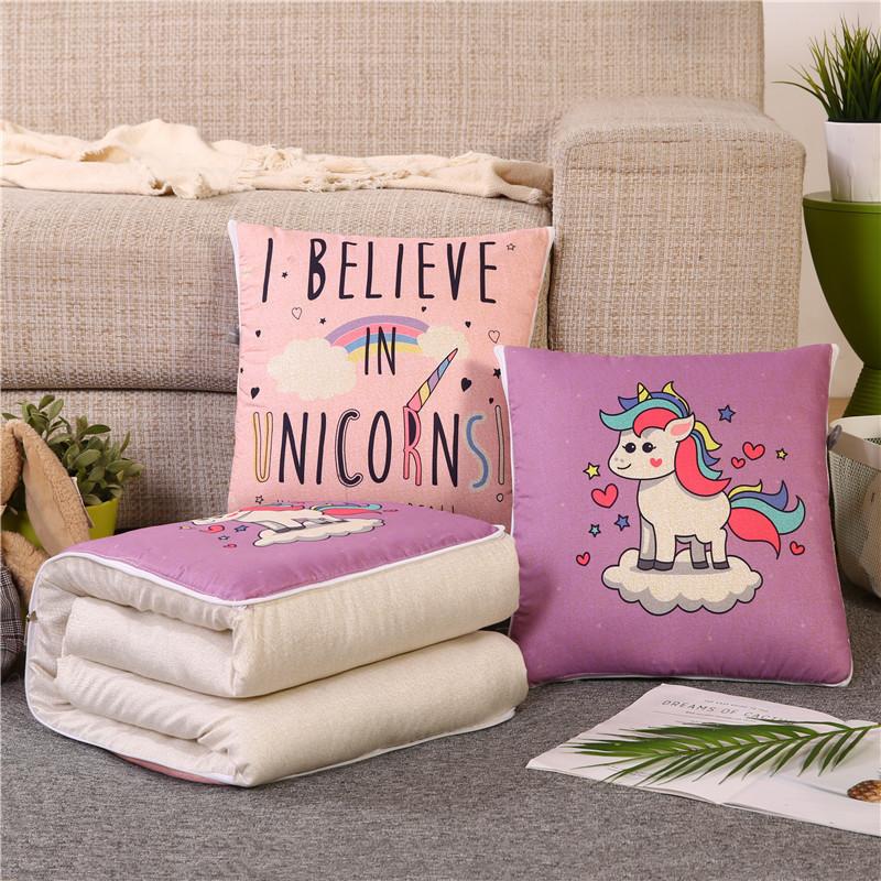 Yüksek kaliteli sevimli karikatür unicorn 2 in 1 polyester yastık battaniye
