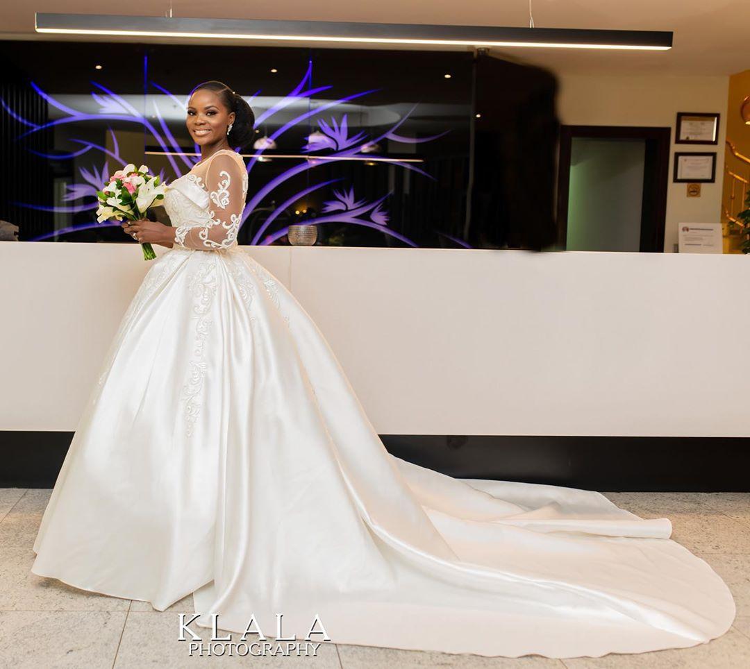 Robe de Mariée sur Mesure Couture Dos Fermé Classique L'église Chine Pas Cher 2018 Belle Robe De Mariée Chinoise