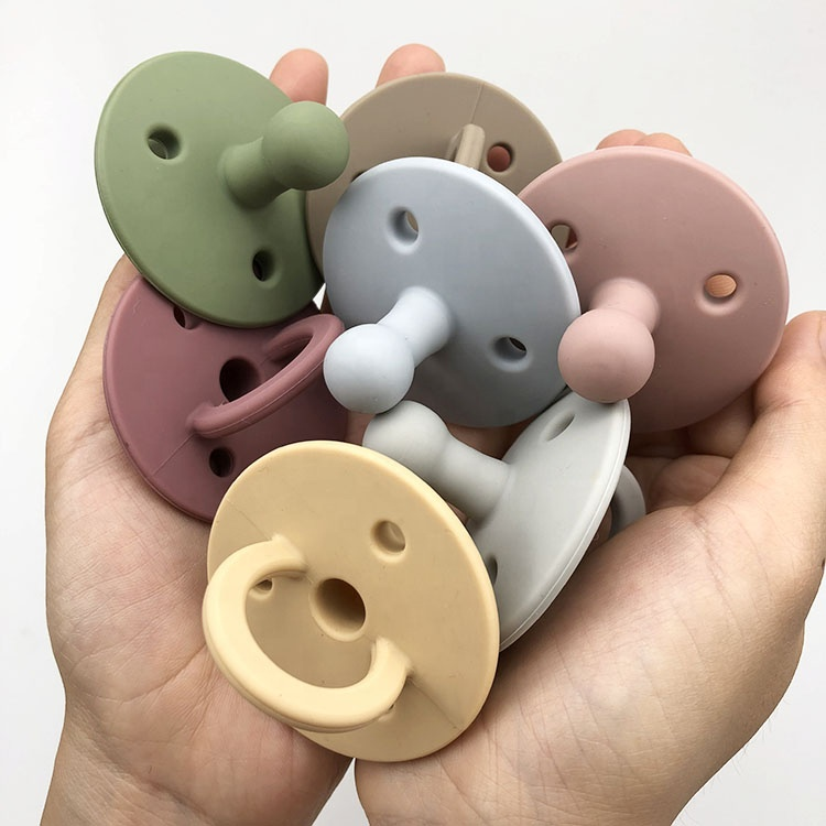 China Supplier New Design Silicone Baby Soother bibs Pacifier