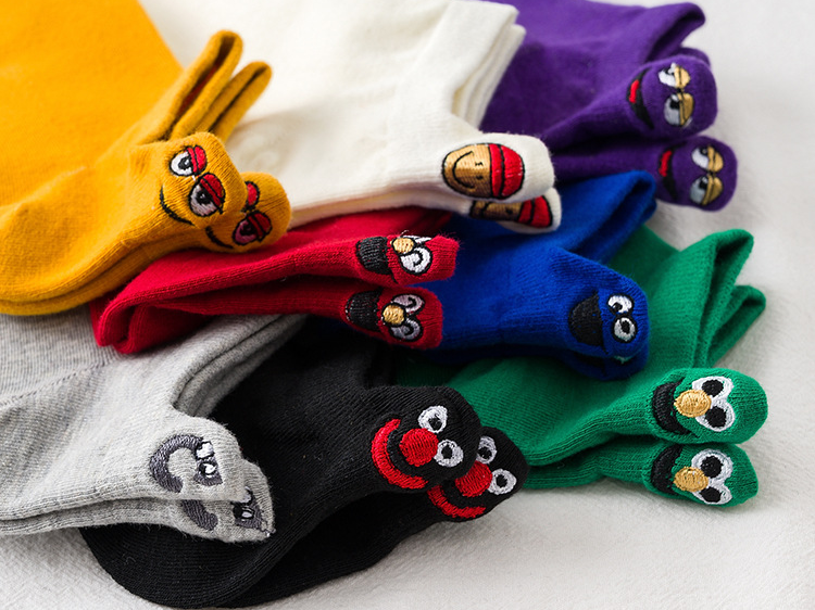 Wholesale socks ladies summer socks shallow mouth smiling face embroidery lovers boat socks