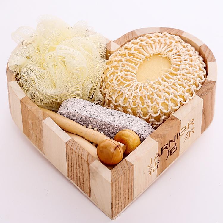 Promotional wood heart box 5pcs bath accessory set, Loofah Brush /comb Wooden box spa set /Bath Gift Set