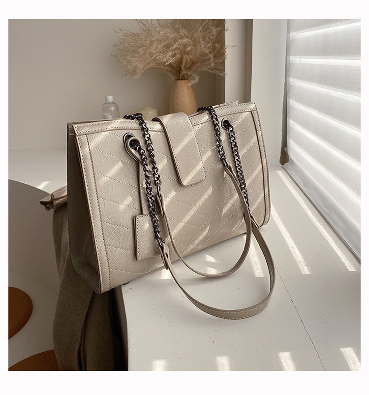 European and American fashionable and versatile chain bag,  simple and brand bag