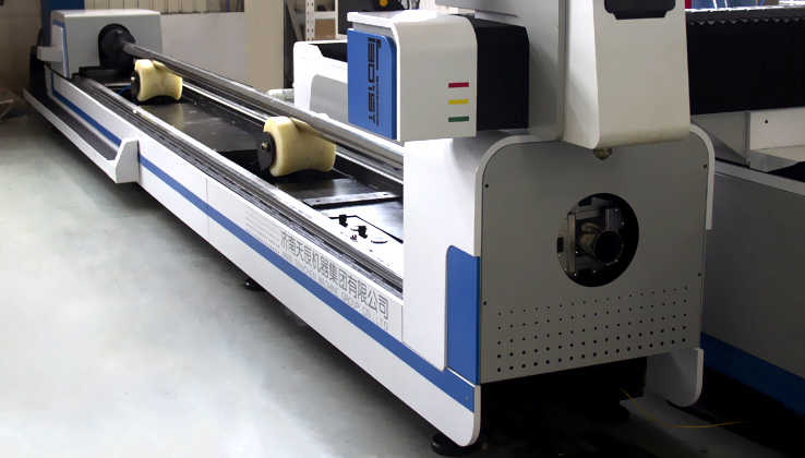Hot sale tube and sheet metal laser cutting machine fiber