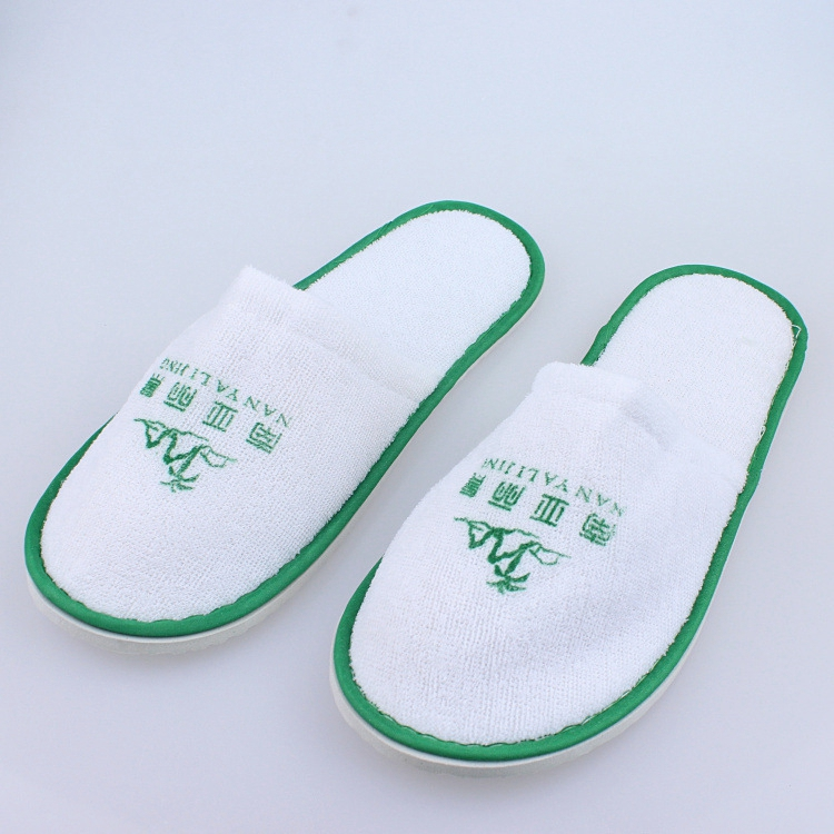 wholesale disposable personalised hotel type spa towelling slippers