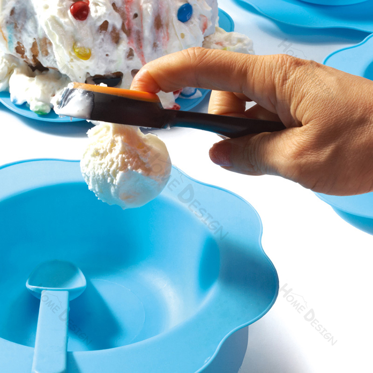Creative BPA Free FDA/ LFGB Colorful Ice Ball Maker Silicone Ice Cream Scoop With Comfort Grip