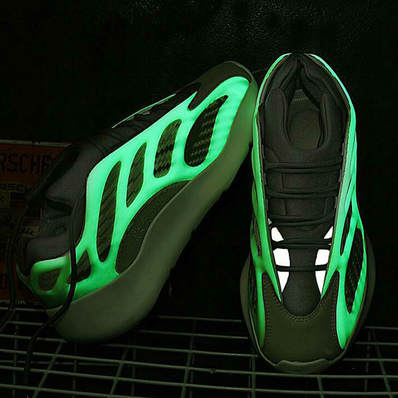 Stylish Breathable Knit Upper Men noctilucent Sports Shoes with -E-TPU Sole 700 V3 Men Sneakers
