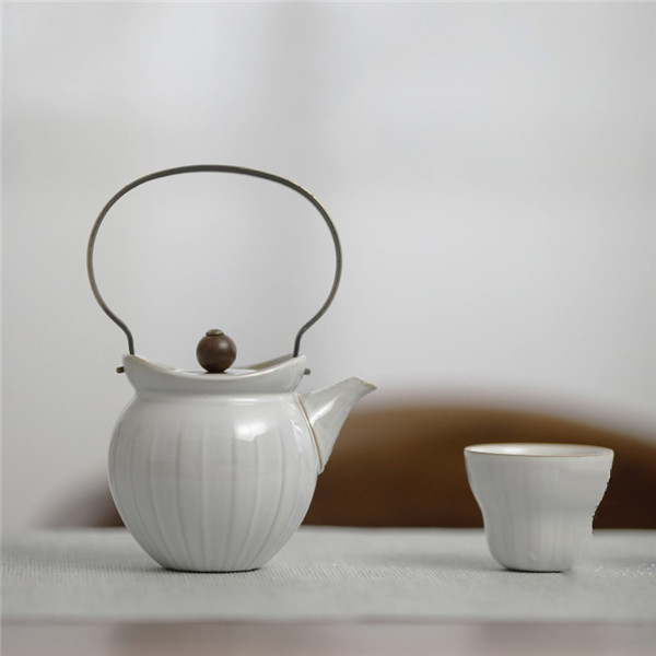 Creative Chinese <strong>tea</strong> cup <strong>sets</strong> <strong>porcelain</strong> with <strong>porcelain</strong> <strong>tea</strong> cup and <strong>porcelain</strong> <strong>tea</strong> pot